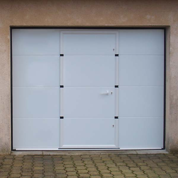 Porte de garage sectionnelle avec portillon lisse blanche for Porte garage automatique avec portillon