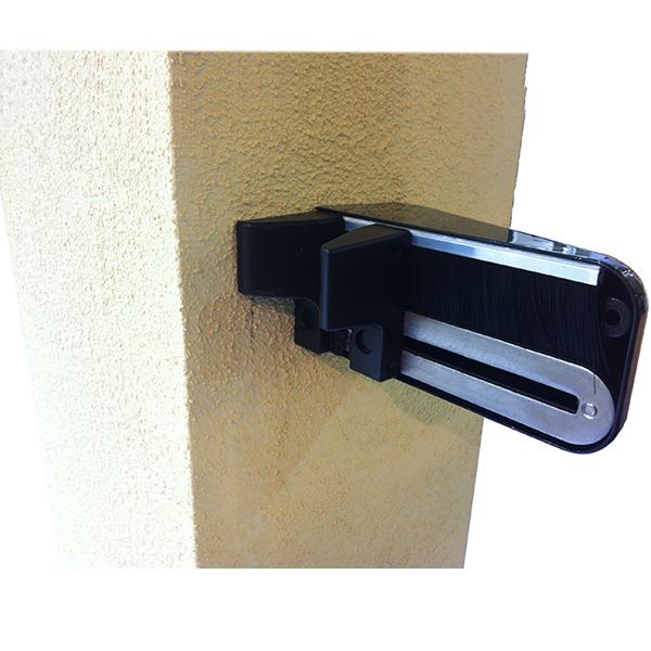 gache de r ception pour portail aluminium coulissant accessoires de portail aluminium. Black Bedroom Furniture Sets. Home Design Ideas