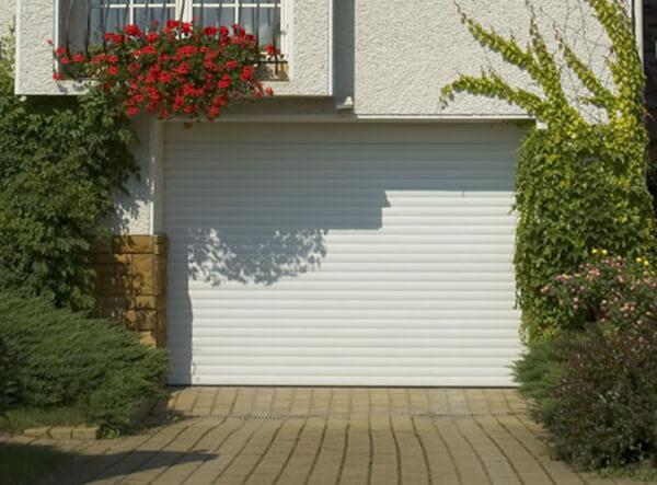 porte de garage enroulable aluminium 240 x 200 blanche. Black Bedroom Furniture Sets. Home Design Ideas